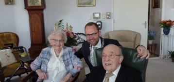 Echtpaar Akkerboom viert 75-jarig huwelijksjubileum