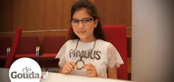 Romaissa Magouh (11) nieuwe kinderburgemeester van Gouda