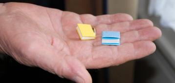Demonstratie miniaturen maken in Streekmuseum