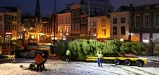Kerstboom staat weer op de Markt