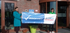 Wethouder Dijkstra geeft aftrap rookvrije zones in sportaccommodaties