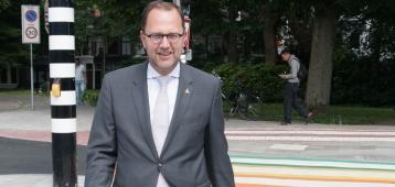 Interview burgemeester Schoenmaker over Roze Zaterdag
