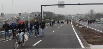 Amaliabrug weer open voor verkeer